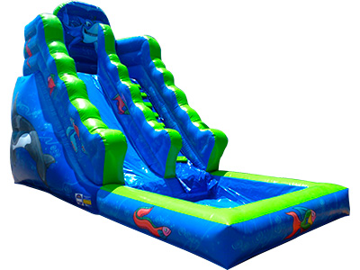 Acuatic inflatable slide with pool